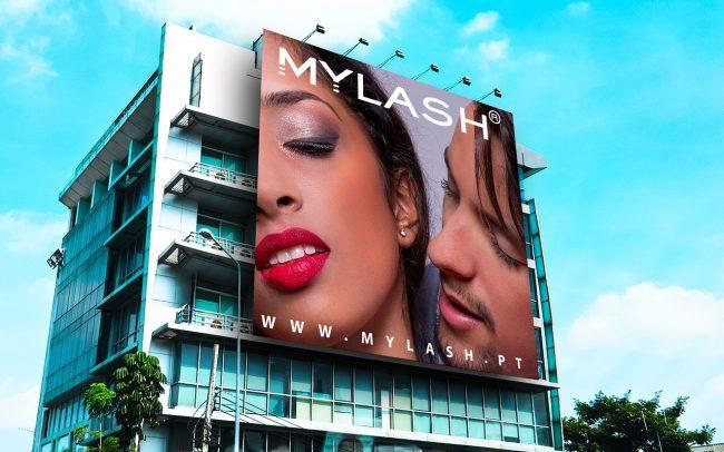 Free-Outdoor-Advertisement-Building-Billboard-Mockup-PSD-650x406 Projectos